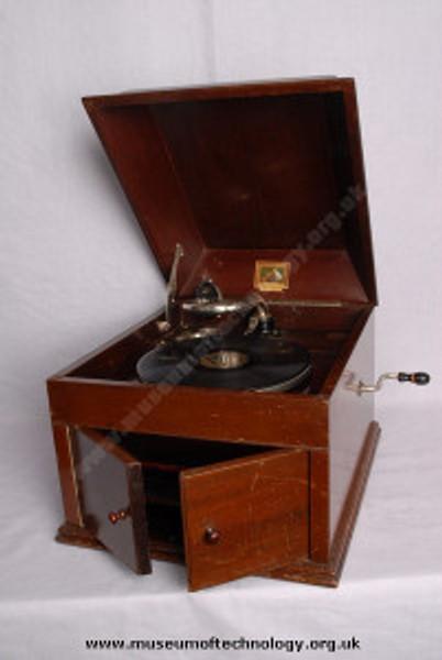 HMV gramophone: model 109.