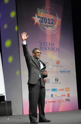 Sundar-NationalAchievers2012.jpg