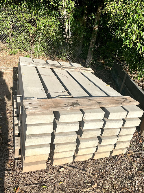Old stock: Smooth Retaining Wall Sleepers