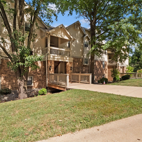 12968 Bryce Canyon Dr. #F, Maryland Heights, MO 63043