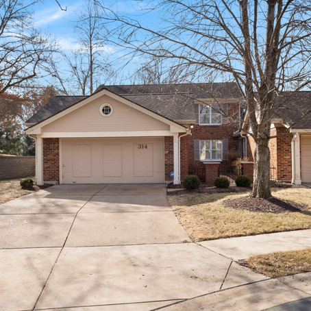 314 Valley Forge Ct., Chesterfield, MO 63017