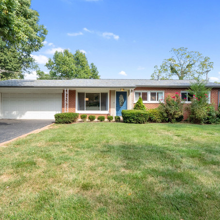 32 Queensbrook Place, Olivette, MO 63132