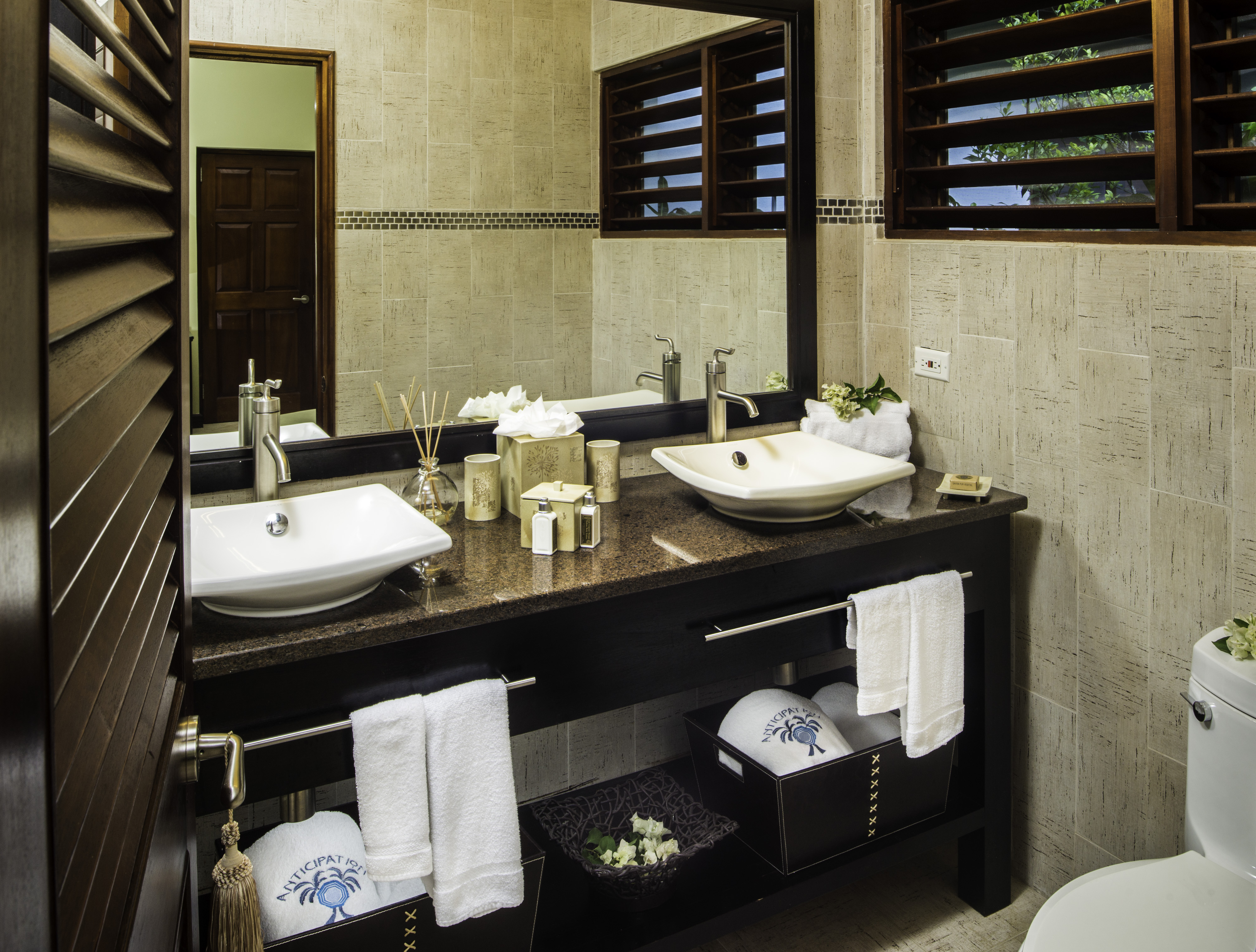 FAIRWAY SUITE BATH