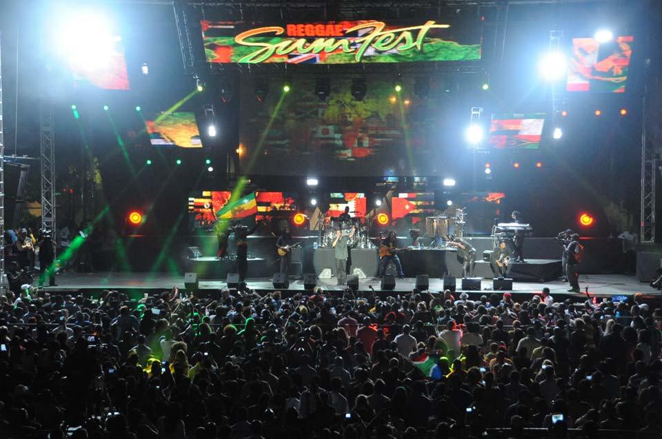 Crowd at the Reggae Sumfest Main Event