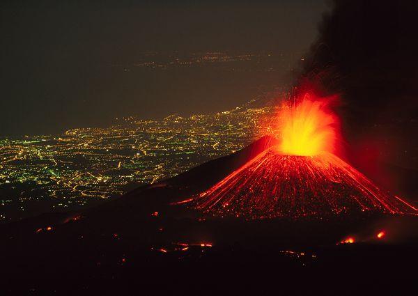 Mt Etna Eruption.jpg
