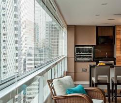 02-varanda-de-apartamento-com-vidro.jpeg