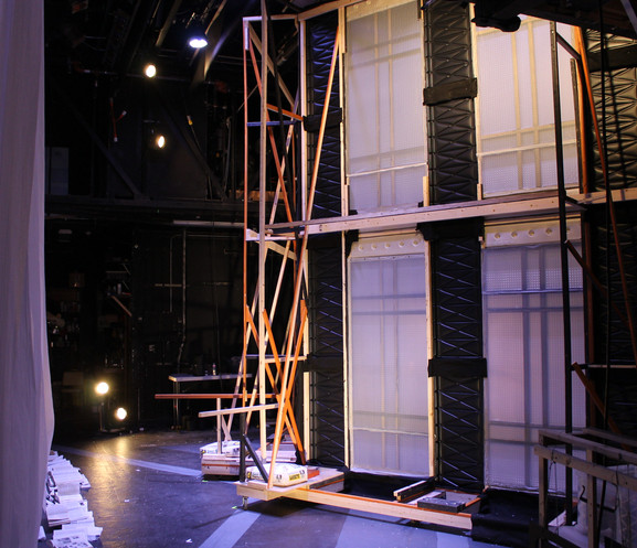 MOVING WALLS - Upstage Side