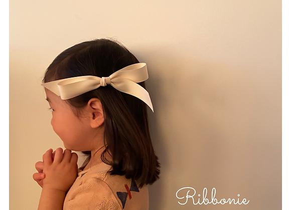 Ribbonie Long Ribbon Bow Clip