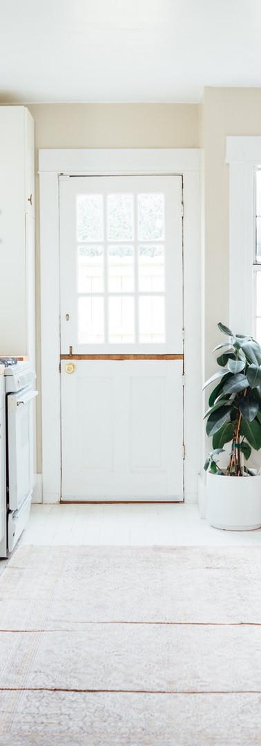 素朴なスタイルのキッチン