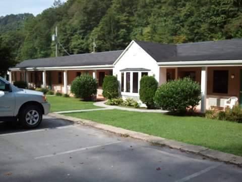 Pocahontas Motel