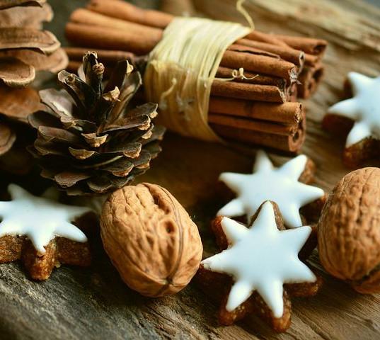 cinnamon-stars-2991174__480.jpg
