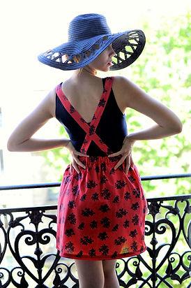 jupe rose à fleurs.jpg