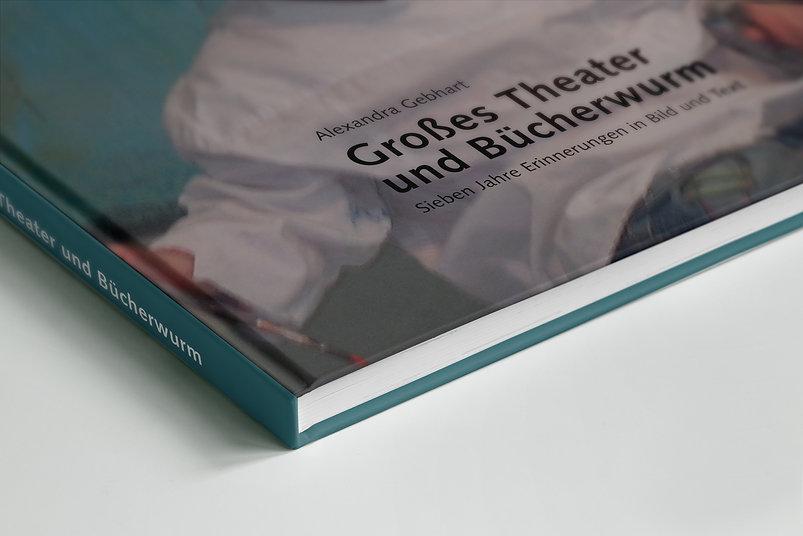 Theater_und_Bücherwurm_Mockup_02.jpg