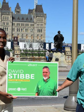 David Stibbe meets with Annamie Paul in Ottawa in front of Parliament Hill