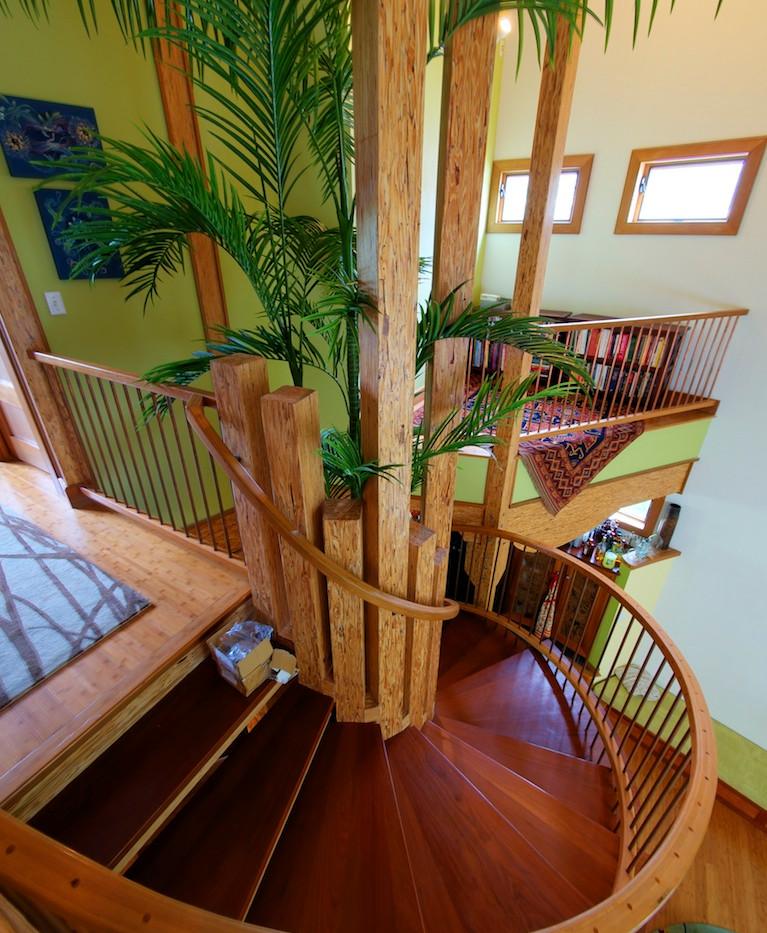 011_Top of stairs.jpg