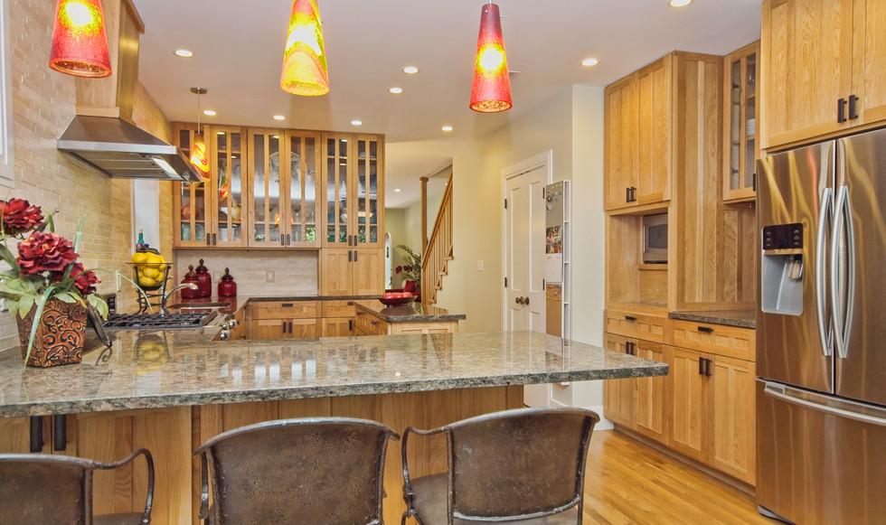 012_Kitchen-Bar.jpg