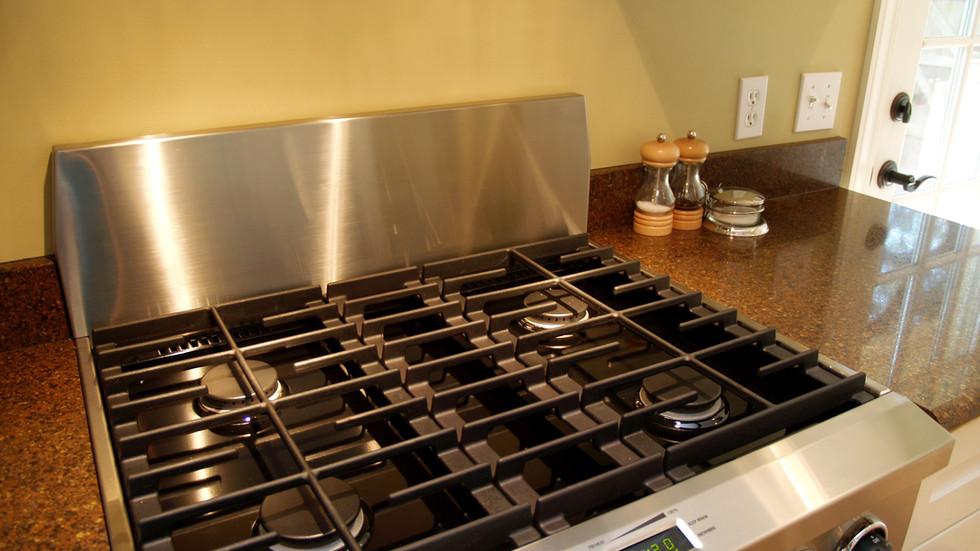 018_Kitchen Stove.jpg