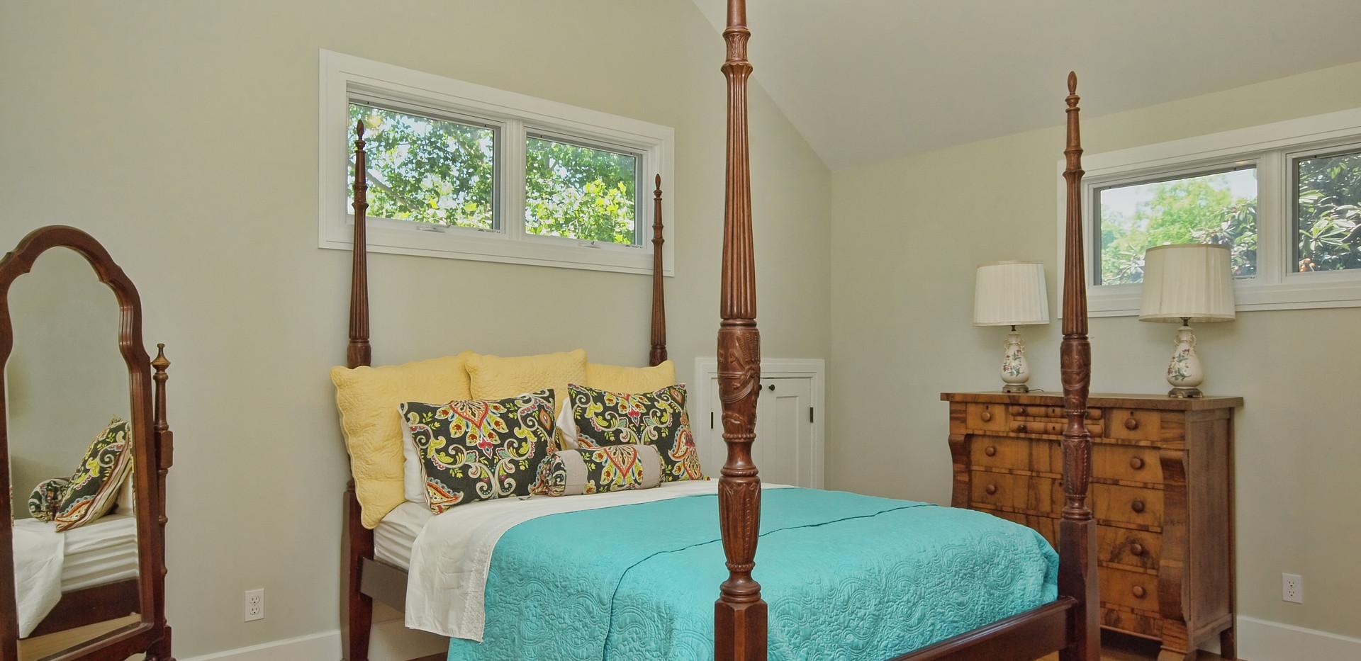 020_2nd Bedroom.jpg