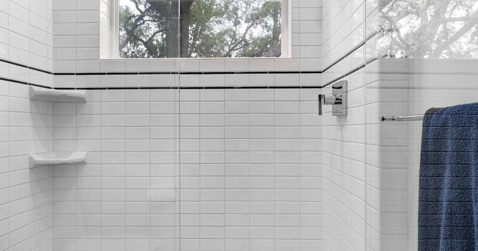 Custom Shower _ Team Haikola _ Sleek & S