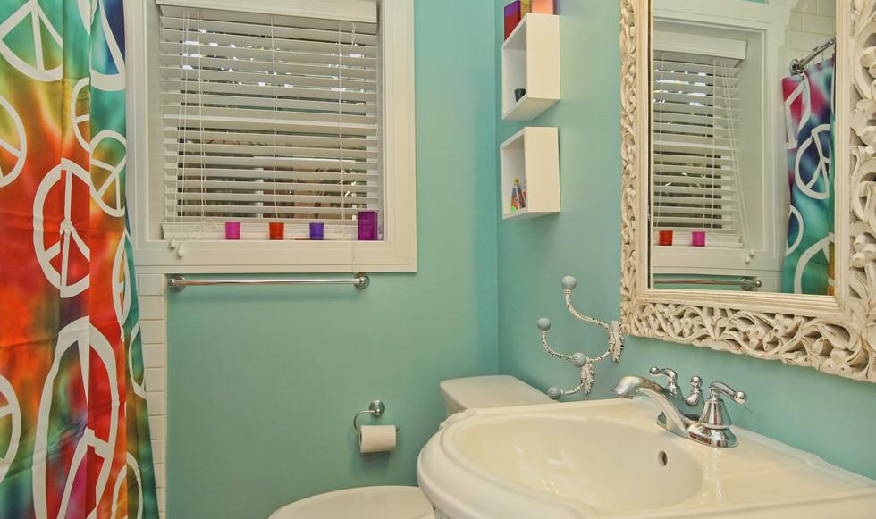 024_3rd Bathroom.jpg
