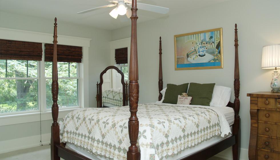 5th bedroom.jpg