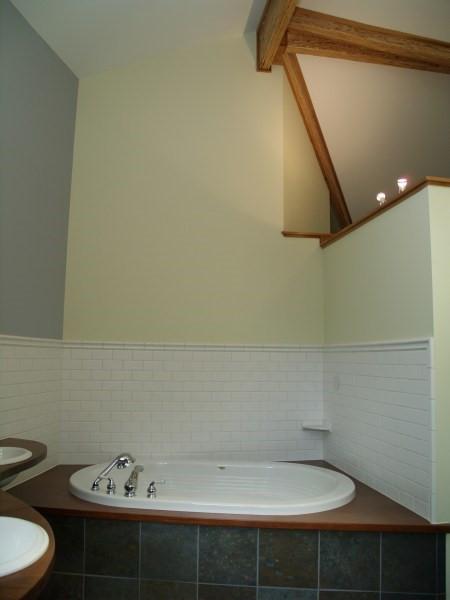 011_Master Bath-v.jpg