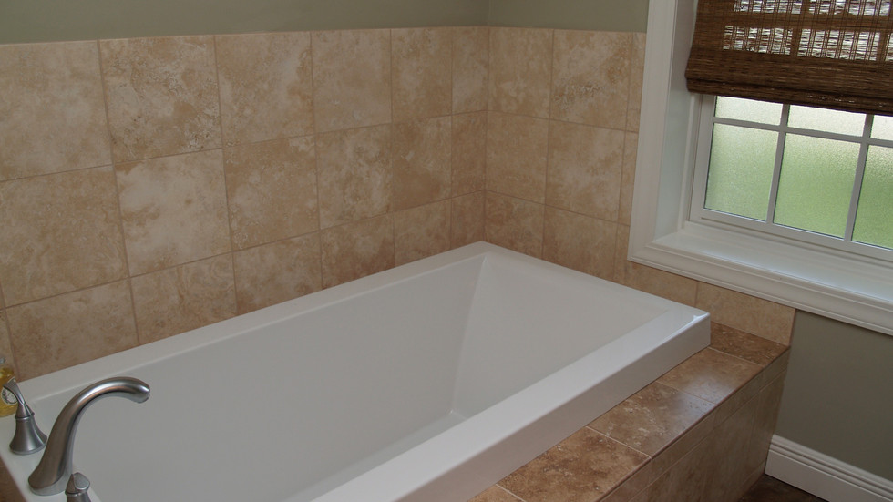 026_Master Bathtub.jpg