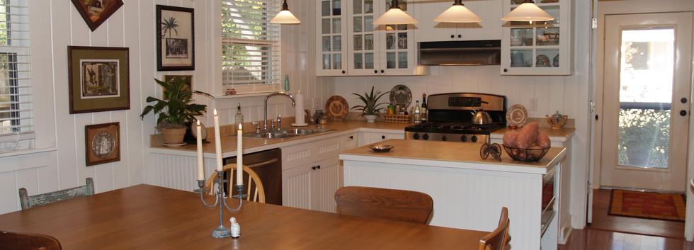 006_Dining-Kitchen.jpg
