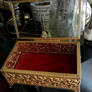 , gorgeous vintage/victorian inspired jewelry box