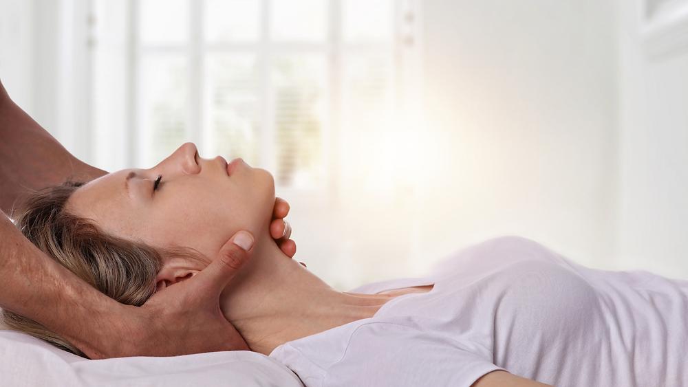 woman receiving chiropractic adjustment