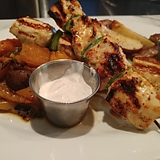 Chicken or lamb souvlaki platter