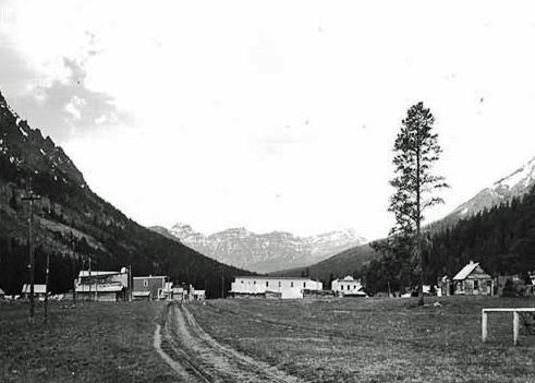 Cooke City looking West 1913 edited.jpg