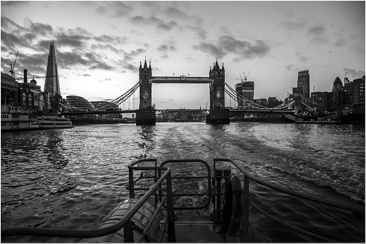 Thames Twilight BY Dennis Wood