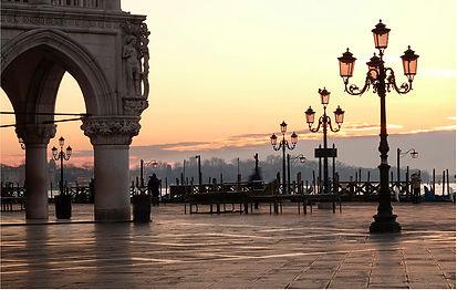 St Marks square Venice Dawn.jpg