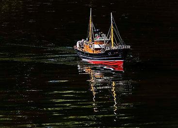 St Kitt plies the waters of SIlverdale.j