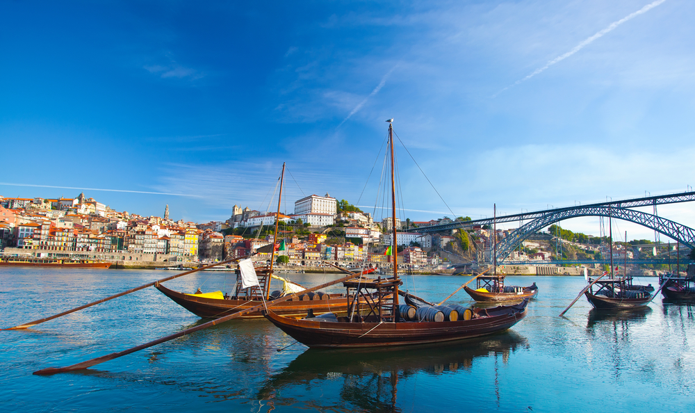 Portugal_holidays_exclusive_travel_vacations_Porto_architecture_Douro_boat_tour.