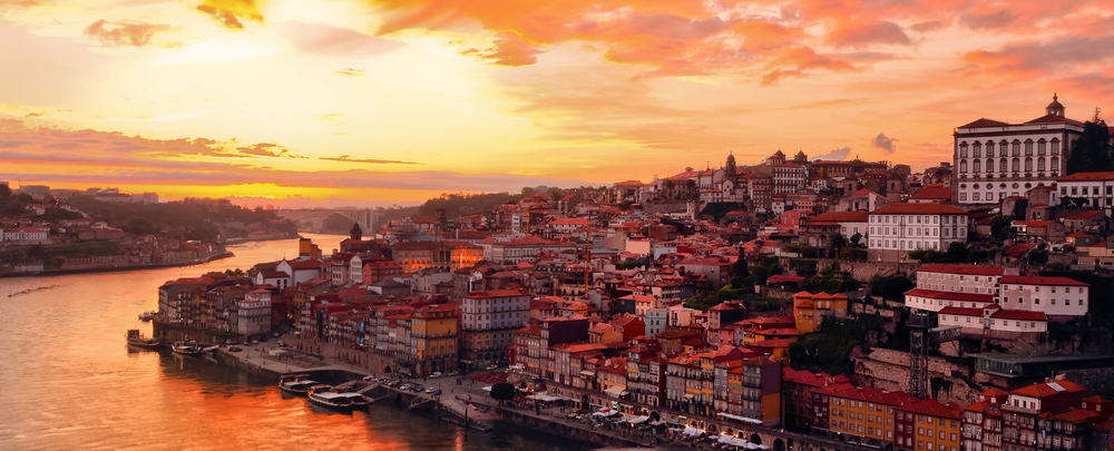 Porto_travel_holidays_vacations_Portugal_goldenvisa_Douro_property