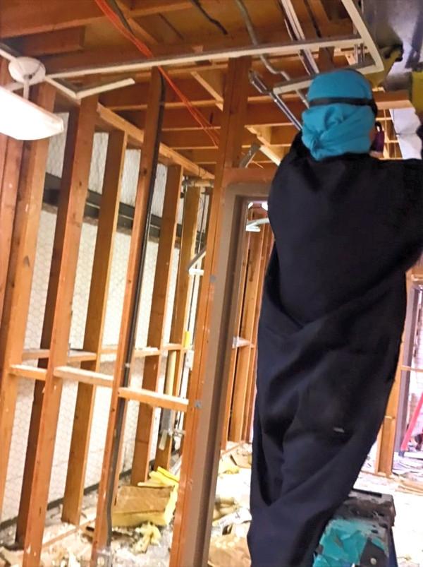 Removing Asbestos Containing Sheetrock