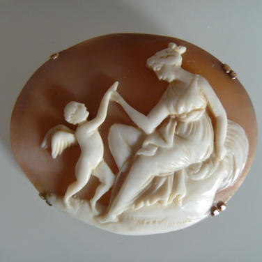 Antique Italian shell cameo