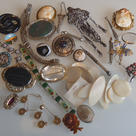 Keen buyers of antique jewellery