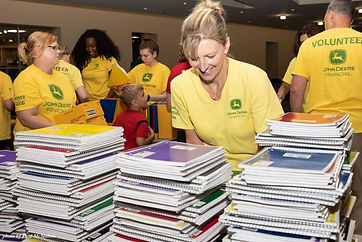 Backpack Stuffing Party 2018 - 21.jpg