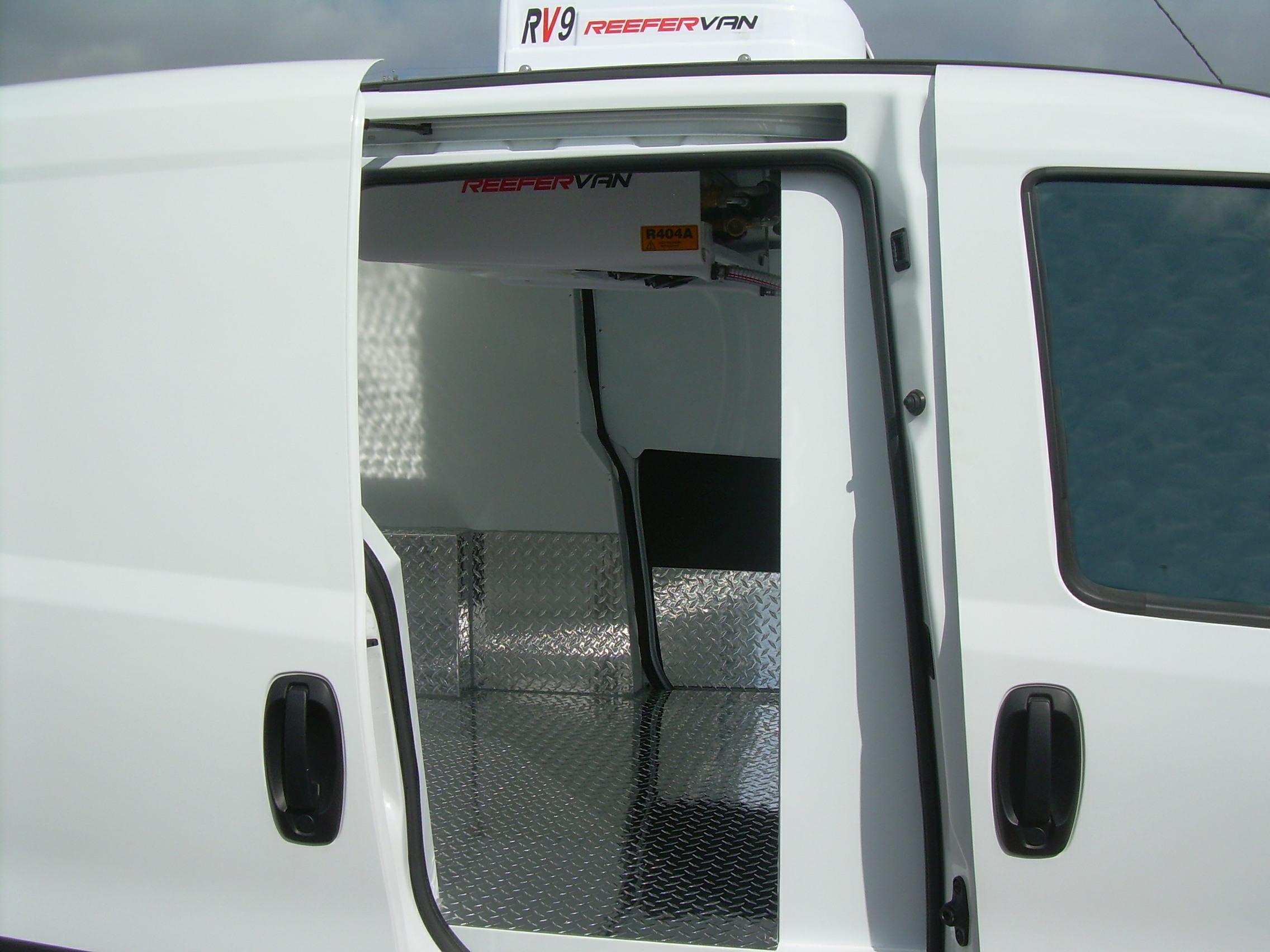 RV9 - Small Van