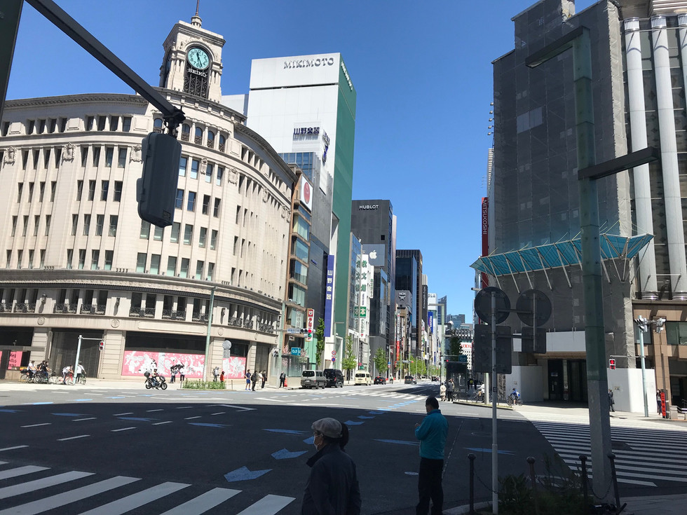 Ginza in Tokyo as of a little before noon, on Sunday April 19th, 2020.