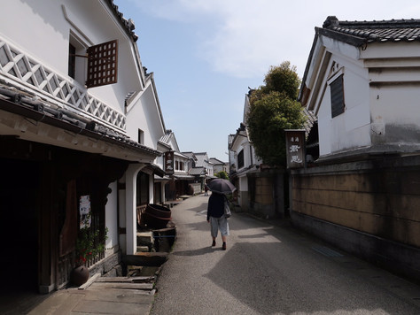 """Hizen-Hamajuku Sakagura-dori"" in Saga Prefecture still retains the dear old townscape of Japan."