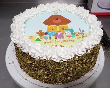 Torta di compleanno a tema cartoon