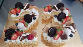 Cream tart per ventritresimo compleanno