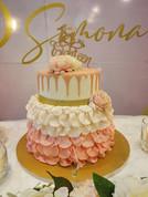 Diciottesimo compleanno, torta con drip rosa
