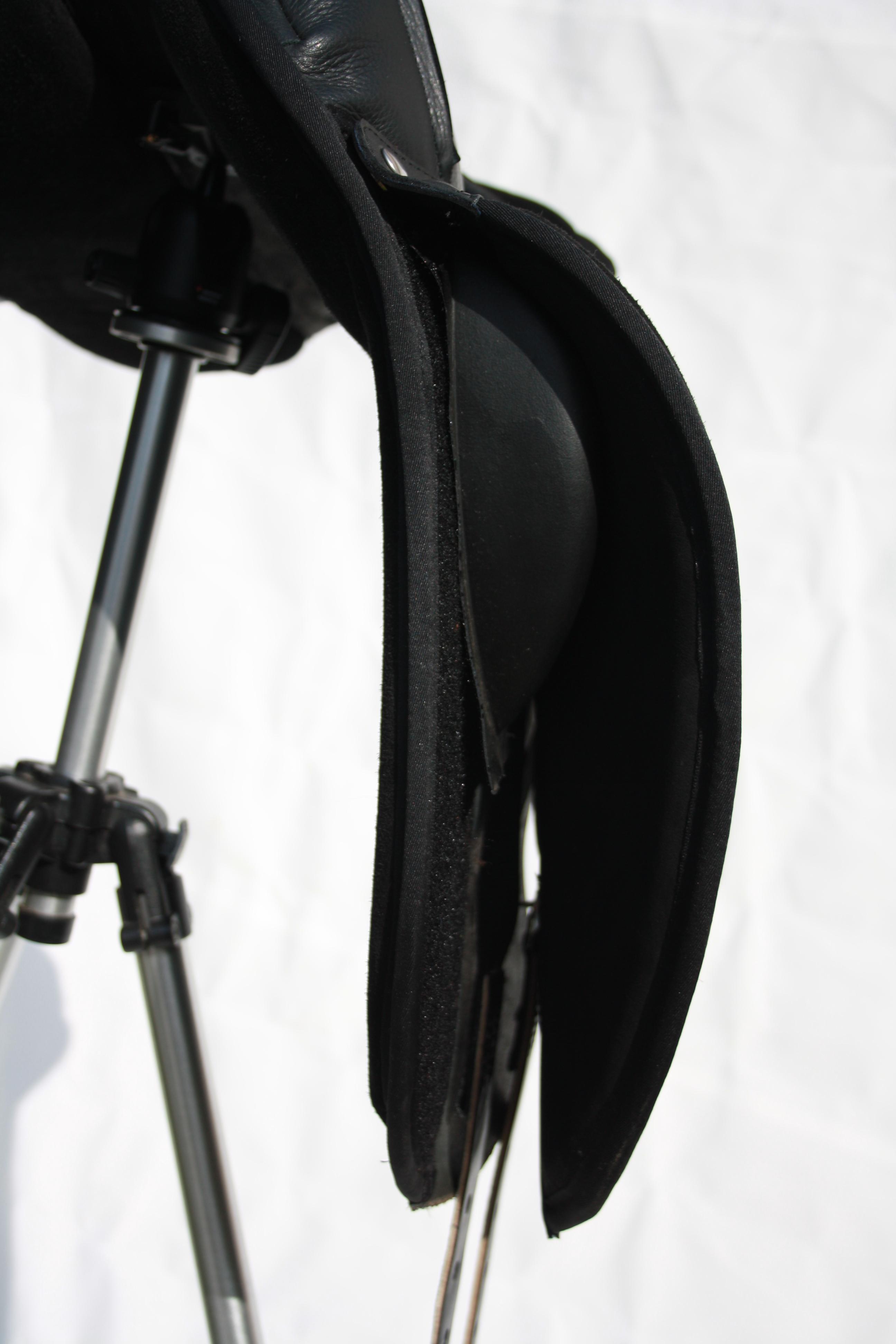 Velcro set on knee role