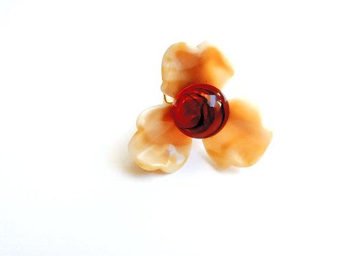 ミルクティー色のお花リング