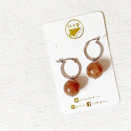 E014 紅 星 石 耳 環 (華姐)